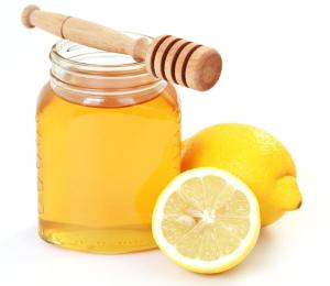 Honey and Lemon are two Powerful Ingredients. Image from: http://www.babydigezt.com